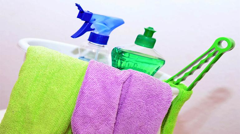 Quel produit pour nettoyer les surfaces fragiles